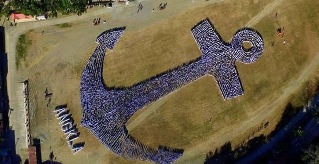 World's Largest Human Formation Of An Anchor
